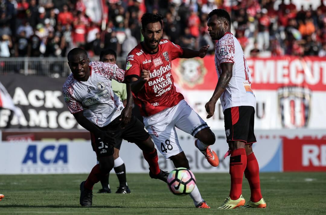 Bali United ditahan imbang Persipura Jayapura - Liga 1 - Shopee - IDNSPORTSLIGA.COM
